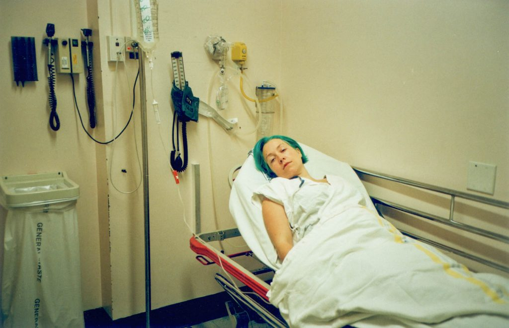 Daily Photo, 4 April 2003, Hospital Green, woman, appendicitis, sick, turquoise hair, portrait, photography