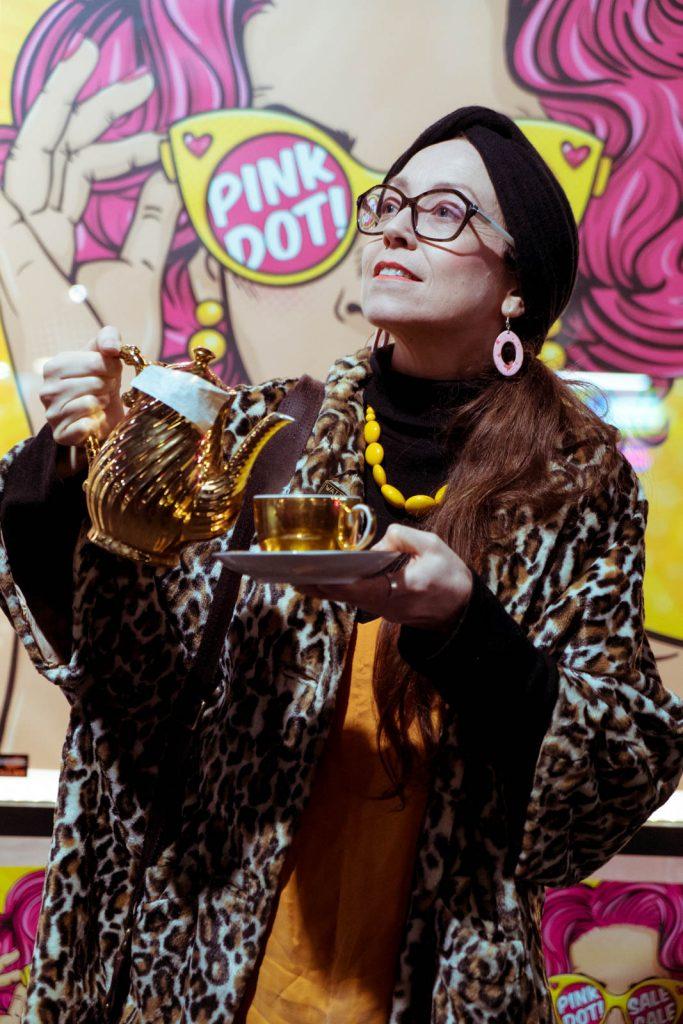 Daily Photo, 11 July 2019, Golden Tea, portrait, Krd, street photography, photography, woman