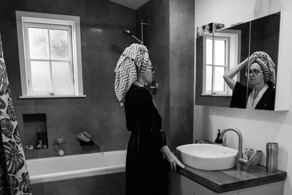 Daily Photo, 12 July 2019, Channelling Vermeer, Chevron, chiaroscuro, kimono, black and white, photography, bathroom