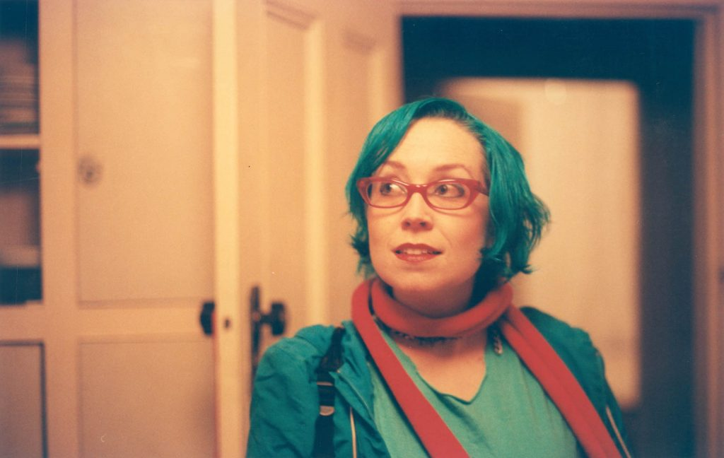 Daily Photo, 24 July 2003, Kitchen Portrait, Arthur Street, portrait, woman, photography, turquoise hair, pink glasses